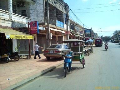 在柬埔寨,用IE标志来代表网吧