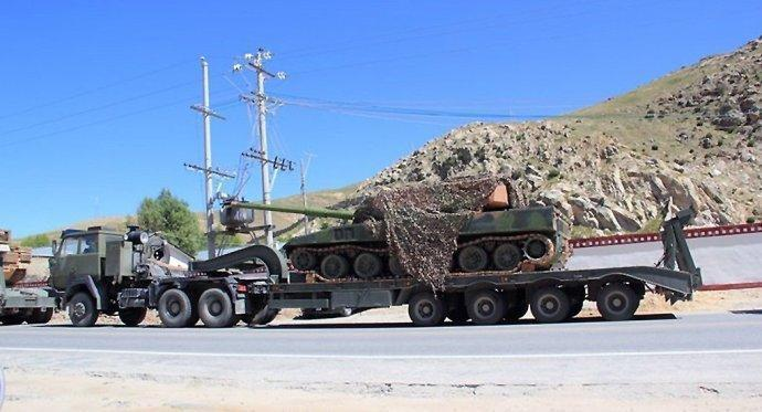 网曝国产新型山地战坦克高原测试照
