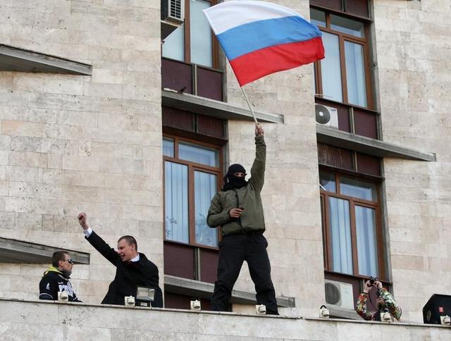 乌东部三城亲俄民众拟公投入俄 求普京出兵